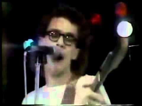 """Titãs - """"Jesus Não Tem Dentes no País dos Banguelas"""" - Ao Vivo em Montreux 1988"""