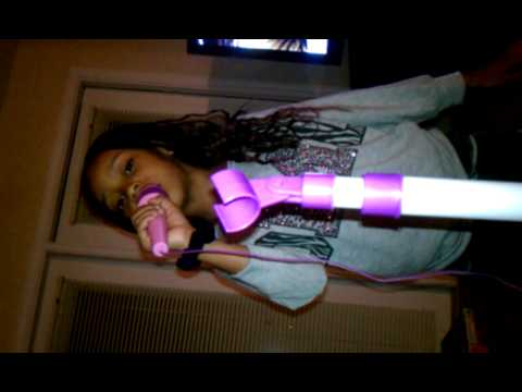 Lil girl sining lil miss swagger