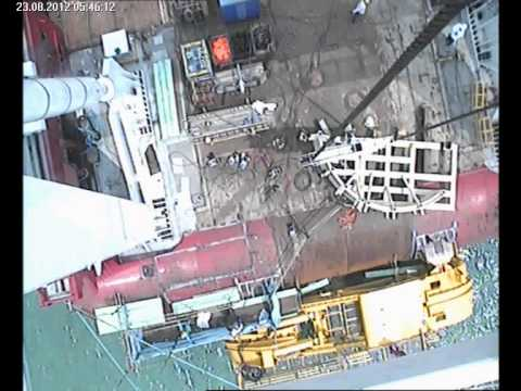 Accident: 7 ton A Frame block falls to the deck with a man below
