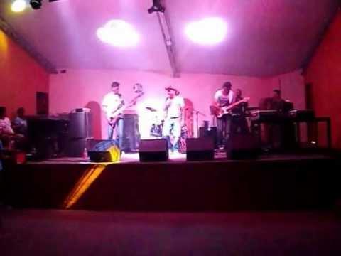 Banda Forronejo - É o chefe  Boite Trilhus - Noite Proibida