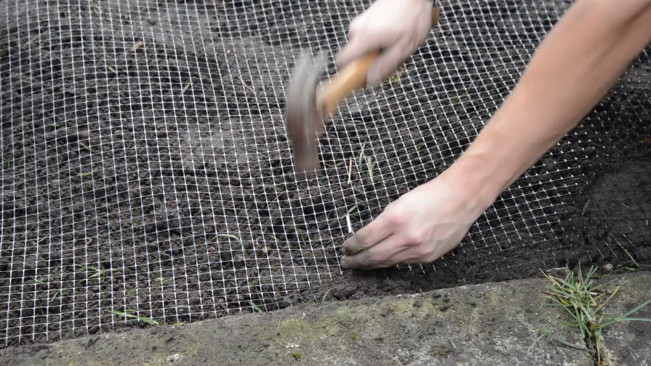 How to instal anti mole netting
