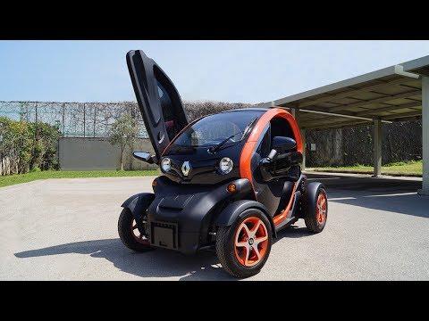Review: 2018 Renault Twizy | Coolest Electric Car?