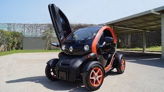 Review: 2018 Renault Twizy | Coolest Electric Car?