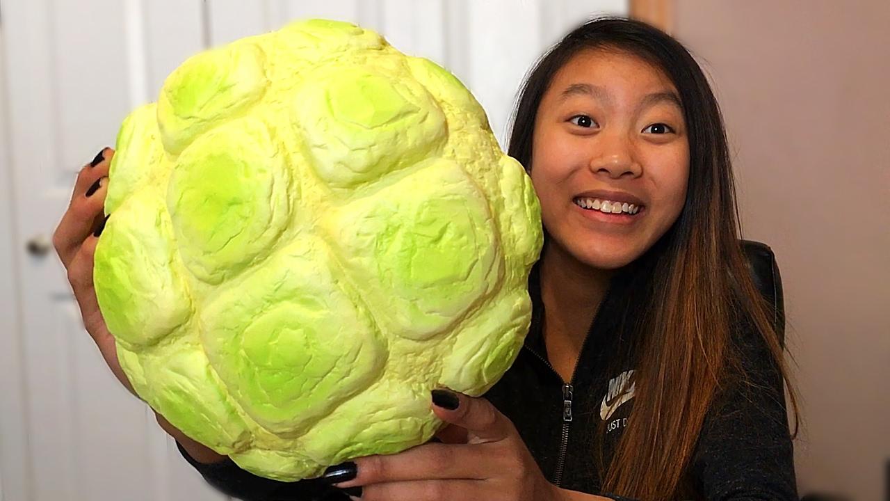 OMG! THE BIGGEST SQUISHY EVER!!! Taylors Kawaii & AsianSquishies! - YouTube