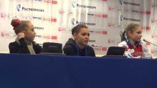Аделина Сотникова, Юлия Липницкая, Елена Радионова, пресс-конференция ЧР 2014 Сочи 25 12