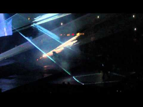 Kanye West - Can't Tell Me Nothing (Live) Watch The Throne Tour 2011