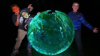 EXPLODING GLOW IN THE DARK SUPER WUBBLE BUBBLE!