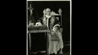 Pius XII condemns Pope Francis' Risen Christ on the Cross