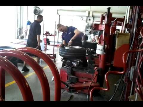 Fast Tire changing discount tire