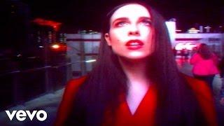Смотреть клип Allie X - Too Much To Dream
