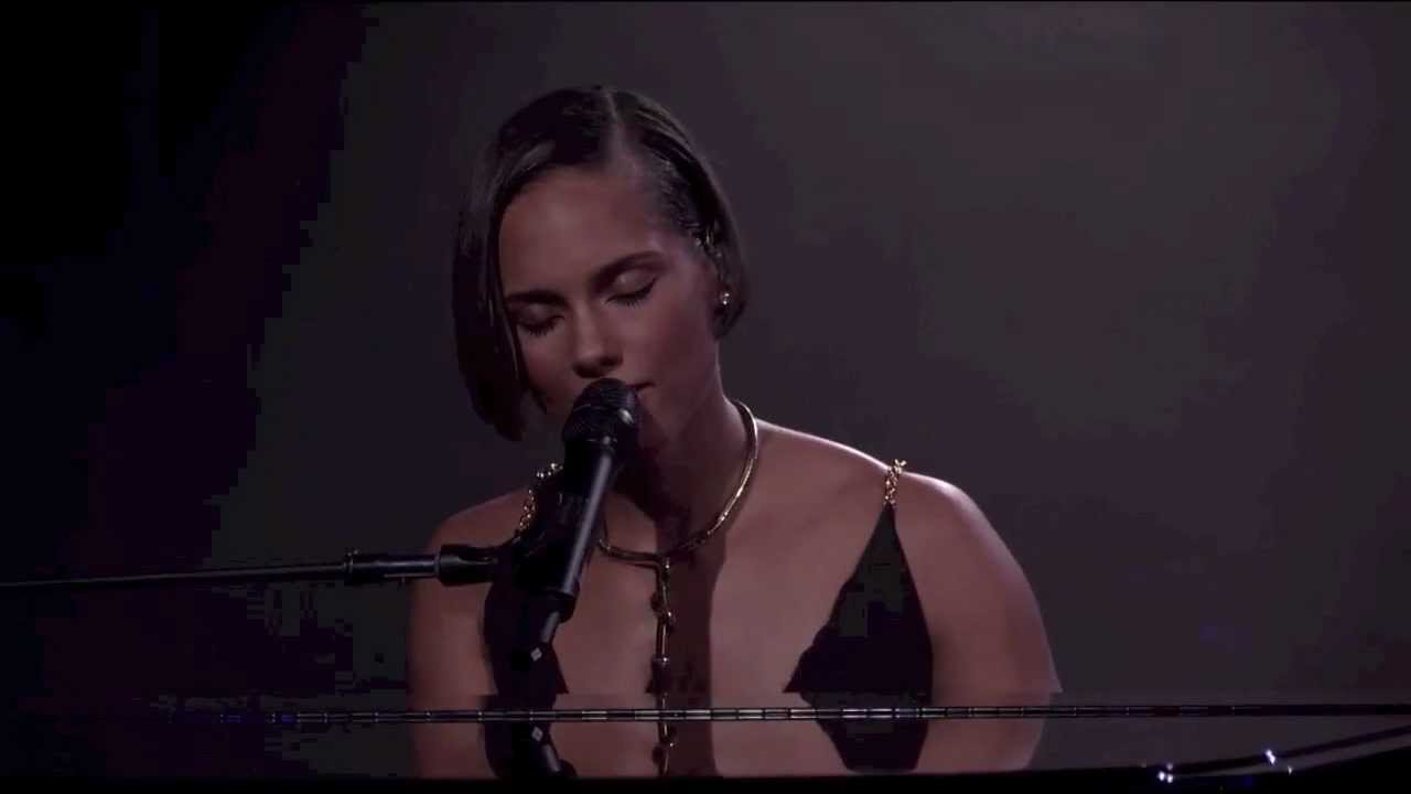 Alicia Keys   Unthinkable Live at iTunes Festival 15 Chords ...