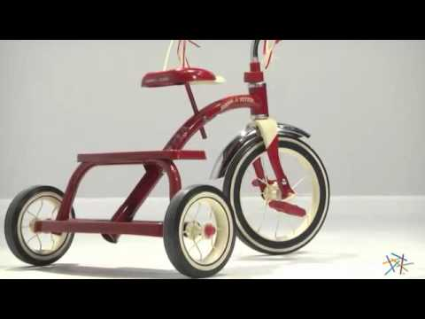 b16fd9949e6 Radio Flyer 12 in. Classic Red Tricycle - Product Review Video - YouTube