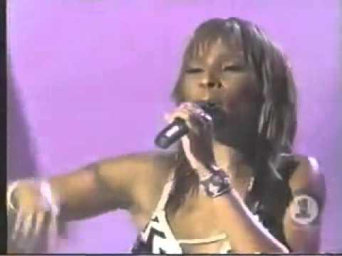 Mary J. Blige & Chaka Khan - Sweet Thing (Live)