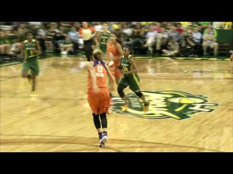 Breanna Stewart and Jewell Loyd Connect for Incredible Alley Oop