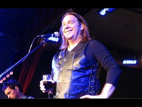 A SoldOut Friday Night In NYC, Alan Doyle & The Beautiful Beautiful Band, City Winery 5