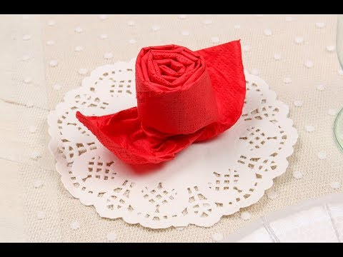 Pliage de serviette rose youtube for Pliage serviette bouton de rose