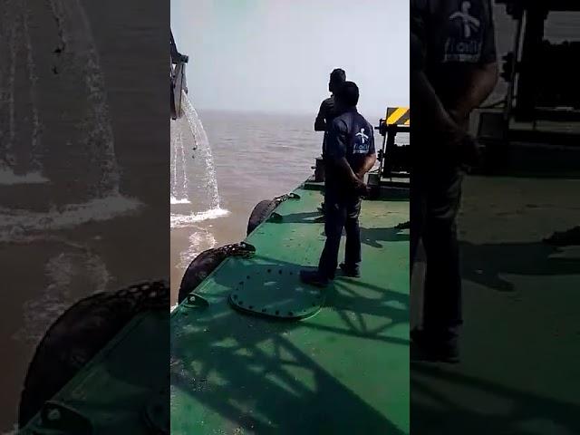 U/W Dredging in deep sea.