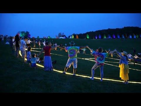Euronews:Watch: Fans celebrate 50 years since Woodstock music festival