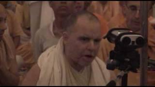 Aindra - Hare Krishna Bhajan in Mayapur