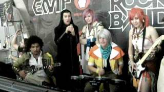 FFXIII Cosplayer United - Rock Band - Roma comics 2011 - Lightning play scream