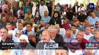 الفلسطينيون يؤدون صلاةَ الجمعة بمَنطقة الخان الأحمر - (7-9-2018)