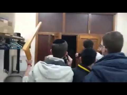 Une synagogue de Stamford Hill, près de Londres, attaquée samedi soir par un groupe d'hommes