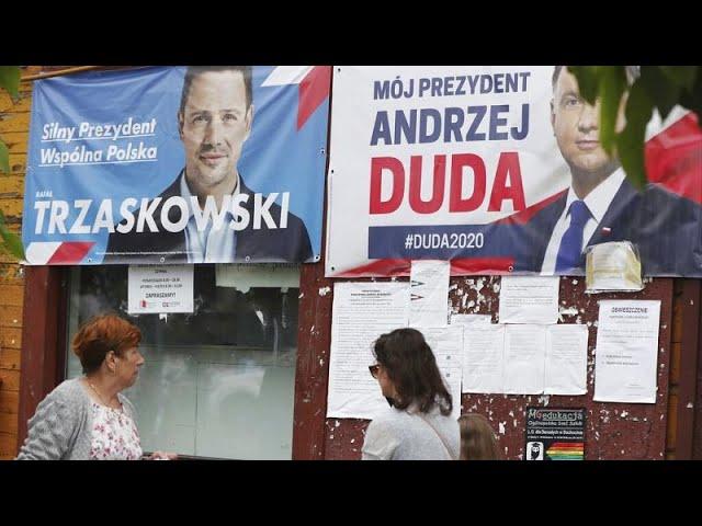 <span class='as_h2'><a href='https://webtv.eklogika.gr/polonia-aylaia-gia-tin-proeklogiki-ekstrateia' target='_blank' title='Πολωνία: Αυλαία για την προεκλογική εκστρατεία'>Πολωνία: Αυλαία για την προεκλογική εκστρατεία</a></span>