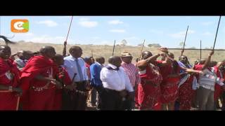 Maasai elders curse politicians carried shoulder-high