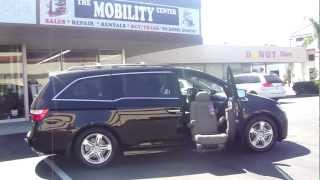 Discount Mobility Honda Odyssey with Bruno Valet Plus Turning Seat Riverside County CA