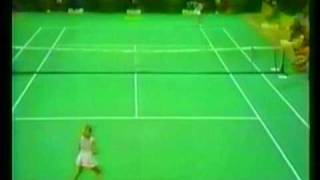 Chris Evert vs Evonne Goolagong - 1976 Virginia Slims Year-End Championships!
