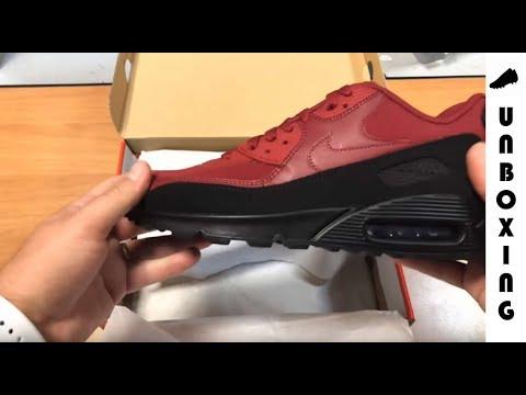 Nike Air Max 90 Essential AJ1285 010