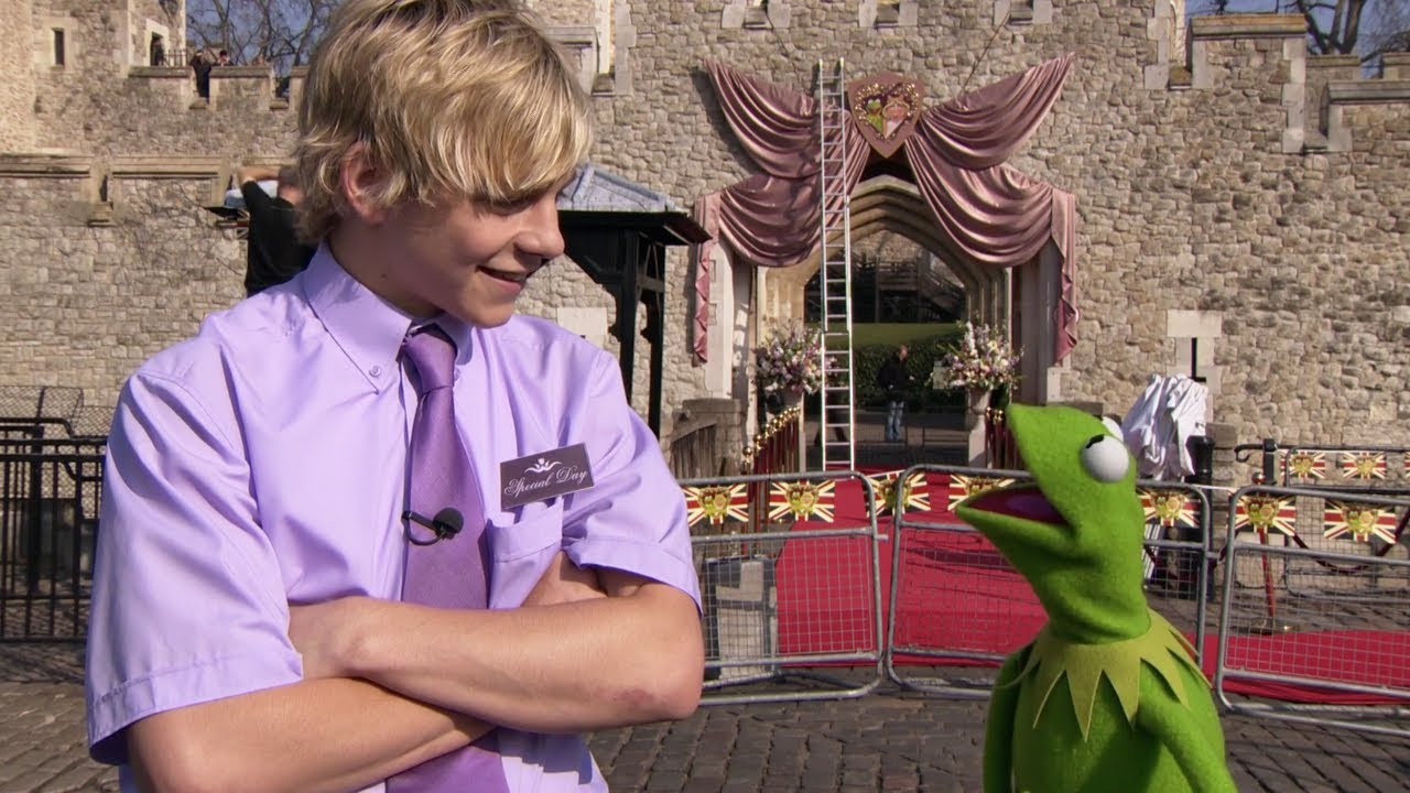 Sneak Peek With Ross Lynch Muppets Most Wanted YouTube
