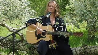 Leonie Bos - Ocean (Live & Acoustic)