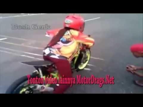 Video Raya Kitty Anak Jalanan Jajal motor DRAG 200cc, gilaaa keren Gan!