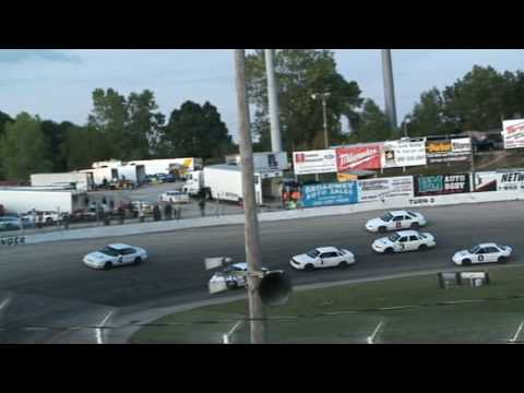 Superior 1.5 race at Slinger Super Speedway 2009