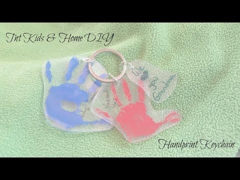 TnT DIY - Mother's Day DIY - Handprint Keychain
