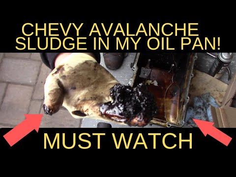 OIL PUMP AND SLUDGE IN MY OIL PAN ? MUST WATCH TILL END  ( 2004 CHEVY AVALANCHE) ( 5.3 VORTEC V8)
