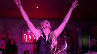 Lovely Laura - Klingande epic Sax music Changes Faul vs Wad live from the Social in Glasgo ...