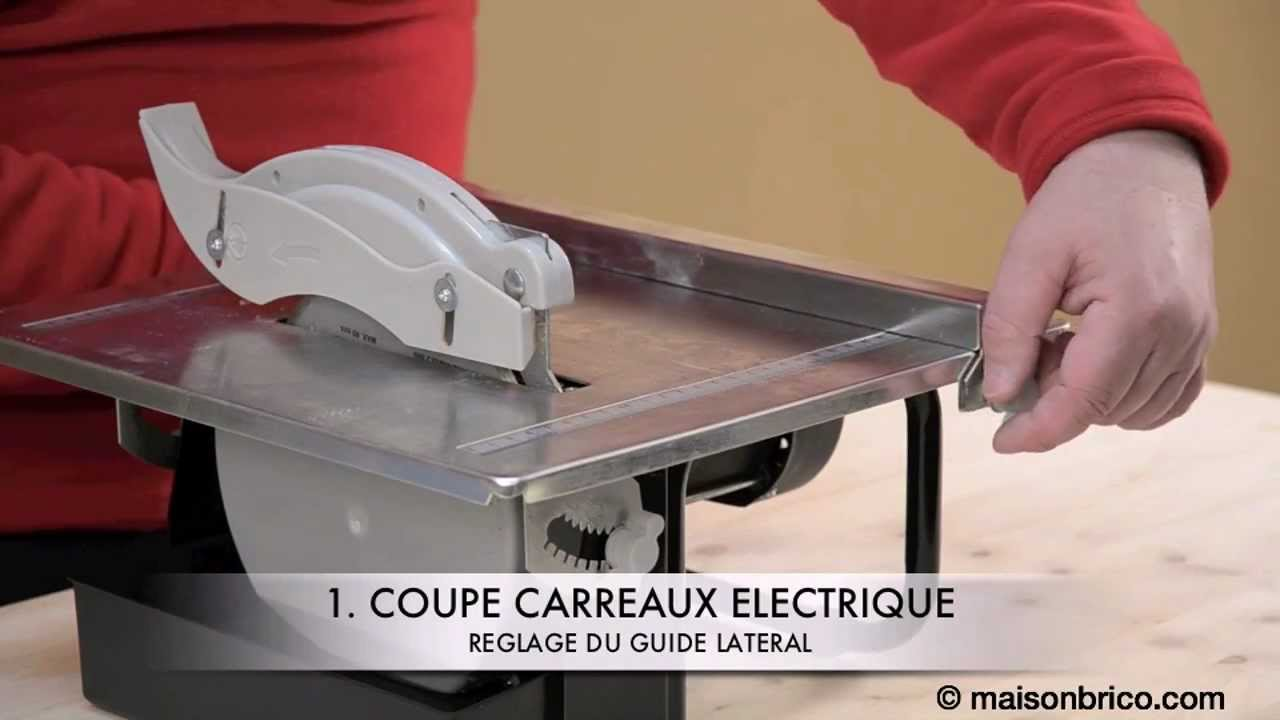 Couper du carrelage la machine youtube for Comment percer du carrelage