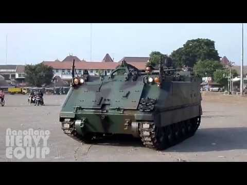 M113 Armored Personnel Carrier Tank with rubber track