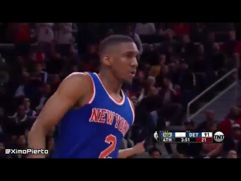 Langston Galloway destroys Dennis Schroeder with the nastiest pump fake and spin move combo ever