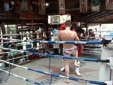 13 Coins Gym(Cobra Muay Thai Abu Dhabi).wmv