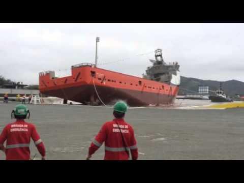 Lançamento do navio da oceana estaleiro