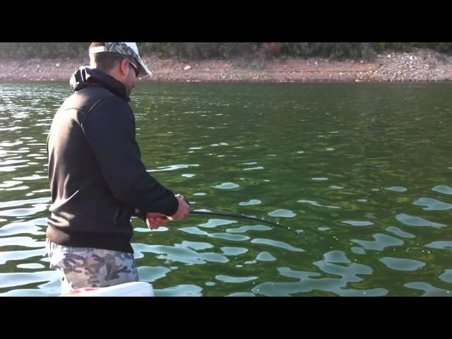 Pesca de Lucio en Cijara 4-10-2011 Videos De Viajes