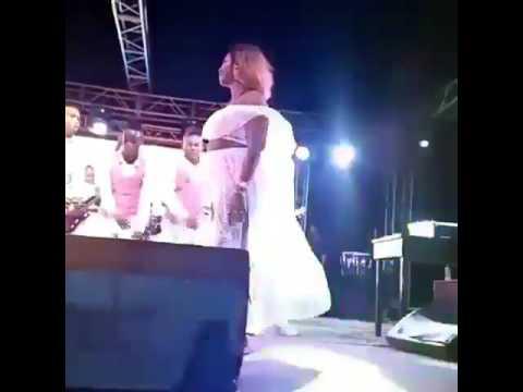 Aunt Ezekiel akikata Mauno mbele ya Diamond Platinumz thumbnail