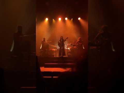 kacey-musgraves---slow-burn---12/5/19-sydney