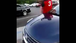 [Street Fight] A Man Fighting With A Big Woman