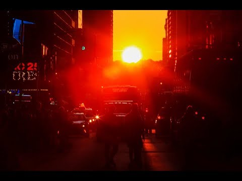 'Manhattanhenge' lights up New York City streets