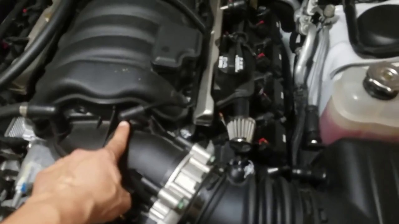 small resolution of tips on removing a 6 4 intake manifold youtube 5 7 hemi intake diagram