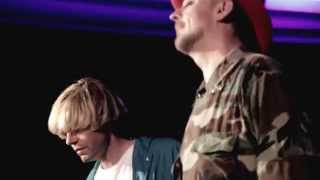 "Boy George & Tim Burgess Perform ""Satellite Of Love"""